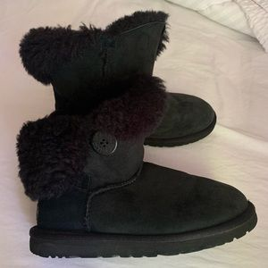 UGG One Button Bailey Black Short Boots Size 6